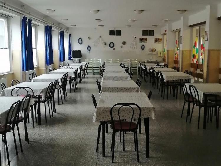 Több pedagógus étkezik a Cházár iskola konyháján