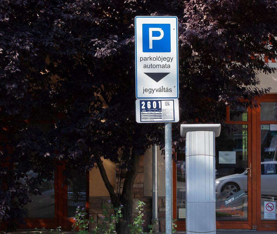 Ismét fizetni kell a parkolásért