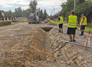 Megkezdődött az útépítés a Horgásztói utcában